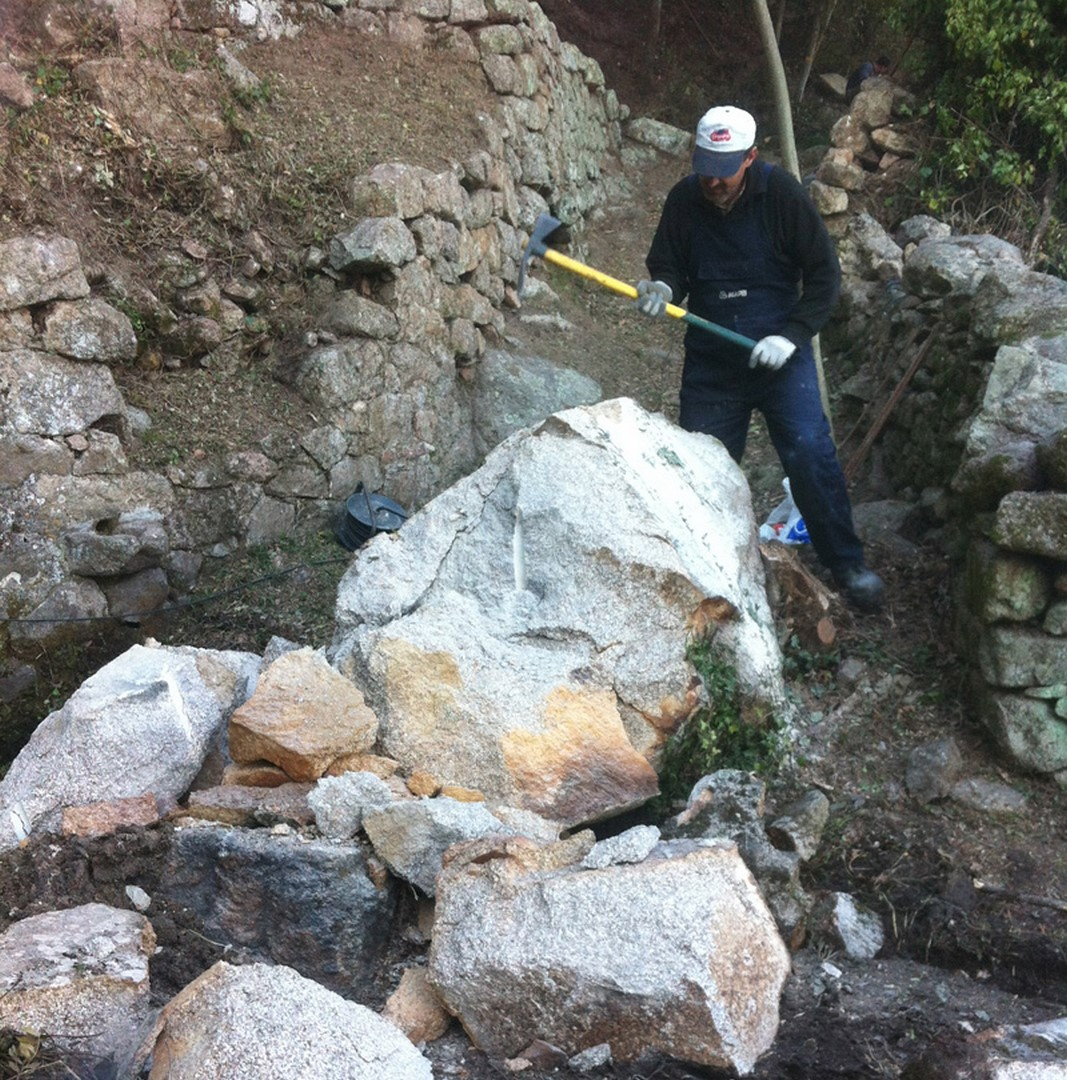 restauration-mur-en-pierre-seche-corse-2